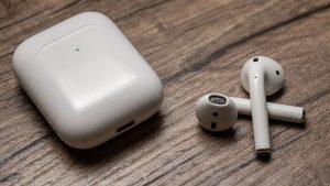 هدفون بی سیم اپل مدل ایرپاد (AirPods) سری 1 به همراه محفظه شارژ