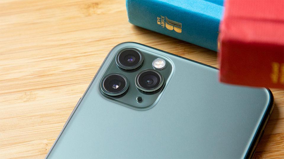 گوشی iPhone 11 Pro باغ کالا دوربین