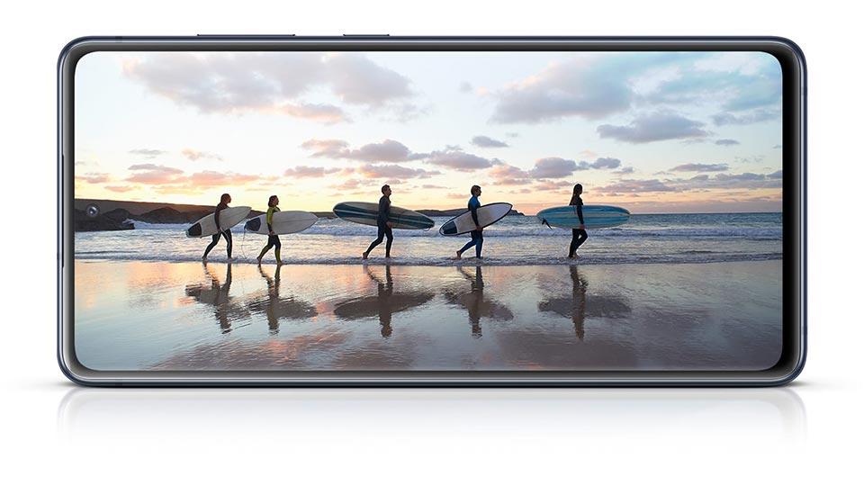 نمایشگر گوشی Galaxy S20 FE