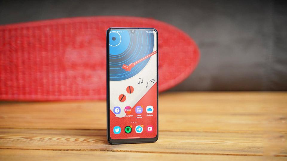 نقد و بررسیگوشی موبایل سامسونگ مدل Galaxy A32